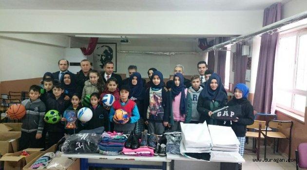 Ataşehir Emlak Konut Ortaokulu Kardeşlerini Unutmadı